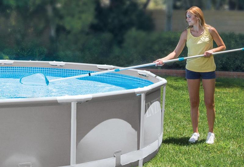 Conseil achat matériel pour le nettoyage de piscine guide comparatif pour faire sa commande avec livraison rapide