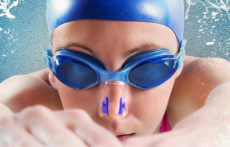 Lunette de natation et pince nez