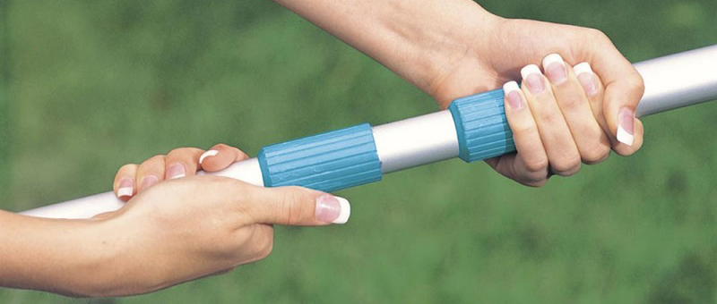 Manche télescopique Intex - meilleur marque pour nettoyer les crasses dans l'eau de piscine - Guide conseil d'achat