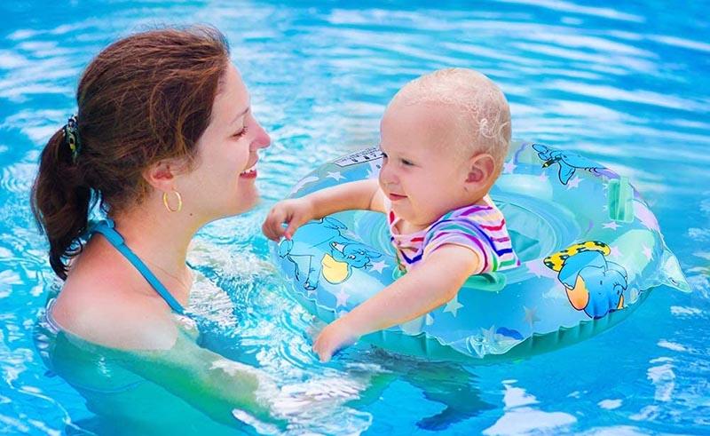 Siège bébé piscine